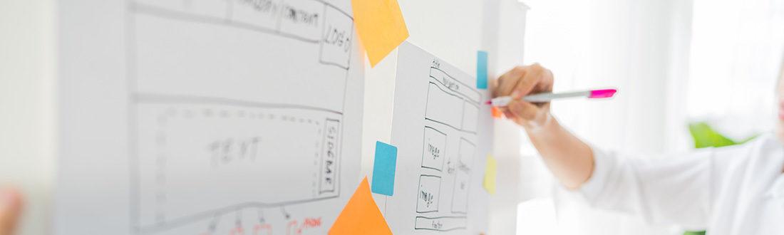 Social media marketing terv naptárba vésve